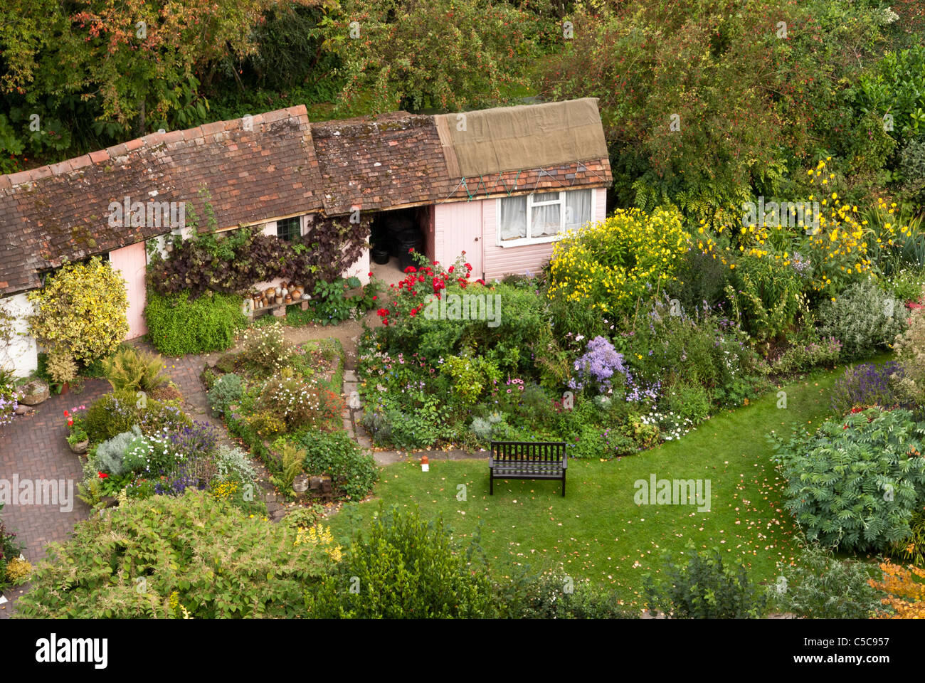 Old English Cottage Garden At 1 Mill St Viewed From The Walls Of Warwick  Castle, Warwick, England, UK