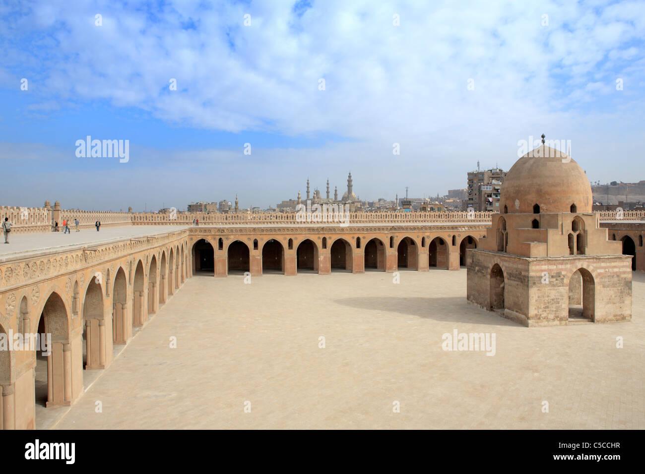Ibn Tulun mosque (879), Cairo, Egypt - Stock Image