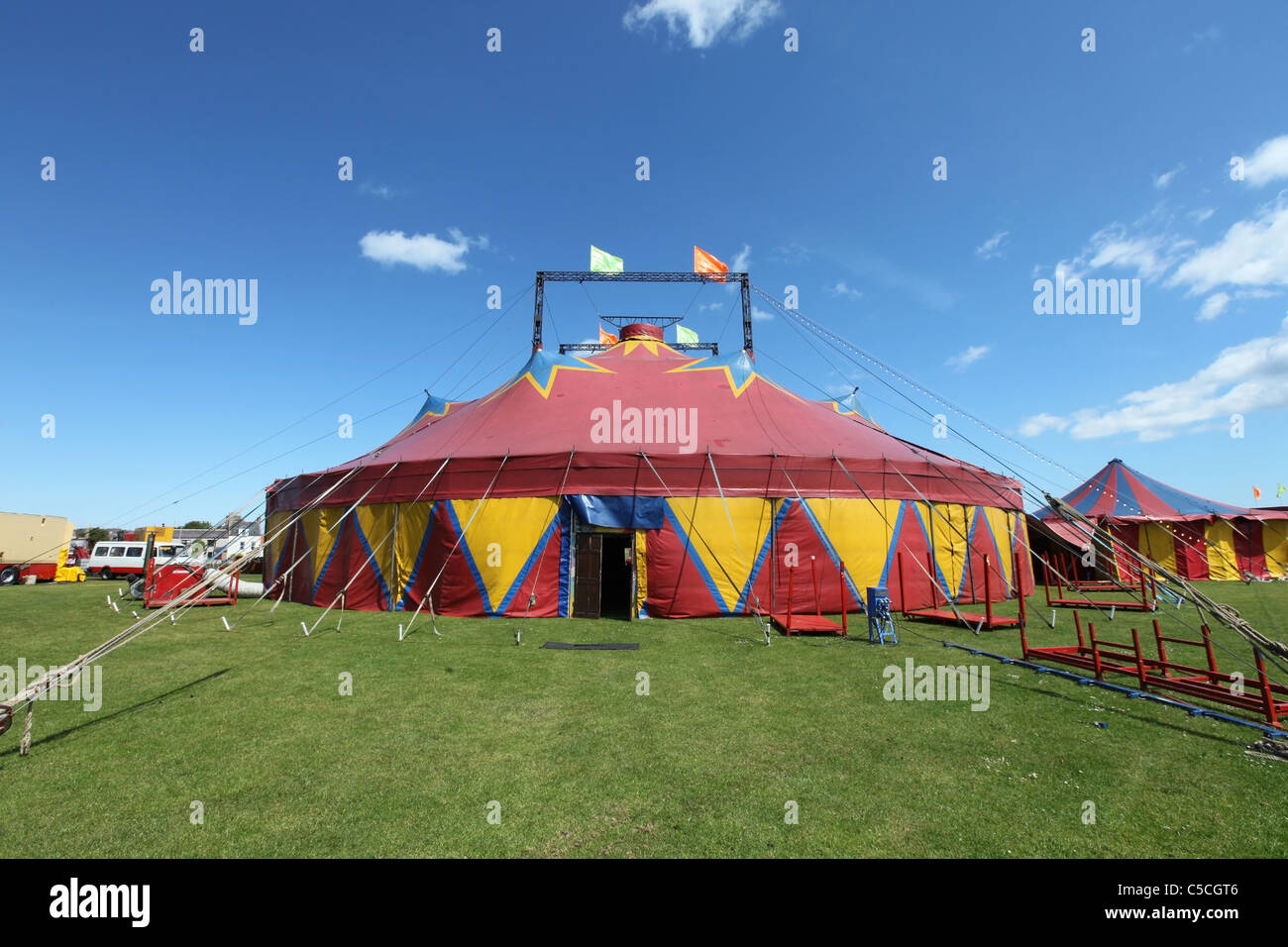 Zippos circus tent at a performance in the UK - Stock Image