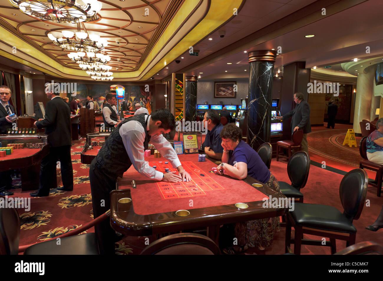 Две казино казино арбат на новом арбате