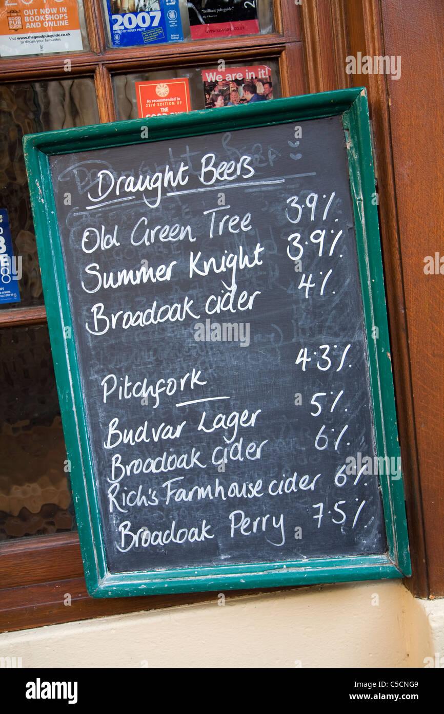 Beer menu written in chalk on blackboard, Old Green Tree pub, Green Street, Bath, England - Stock Image