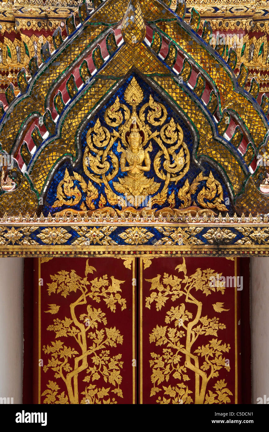 Ornate detail on one of the buildings at The Grand Palace complex in Bangkok Stock Photo