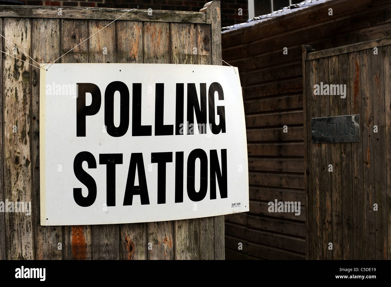 Local Council Elections 2011 - A Polling Station sign outside a school in Brighton - Stock Image