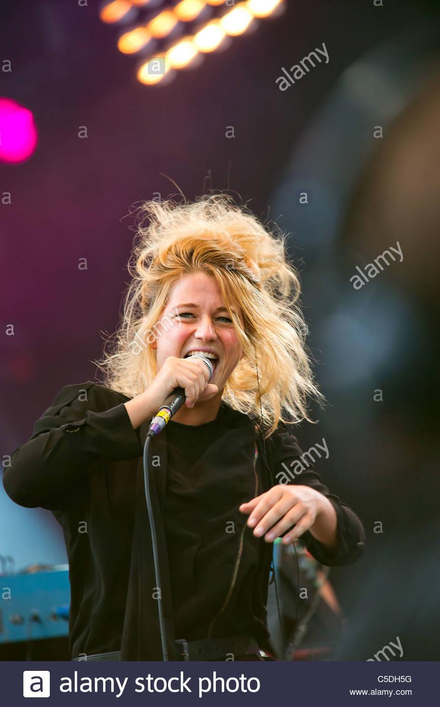 Selah Sue performing live - Stock Image