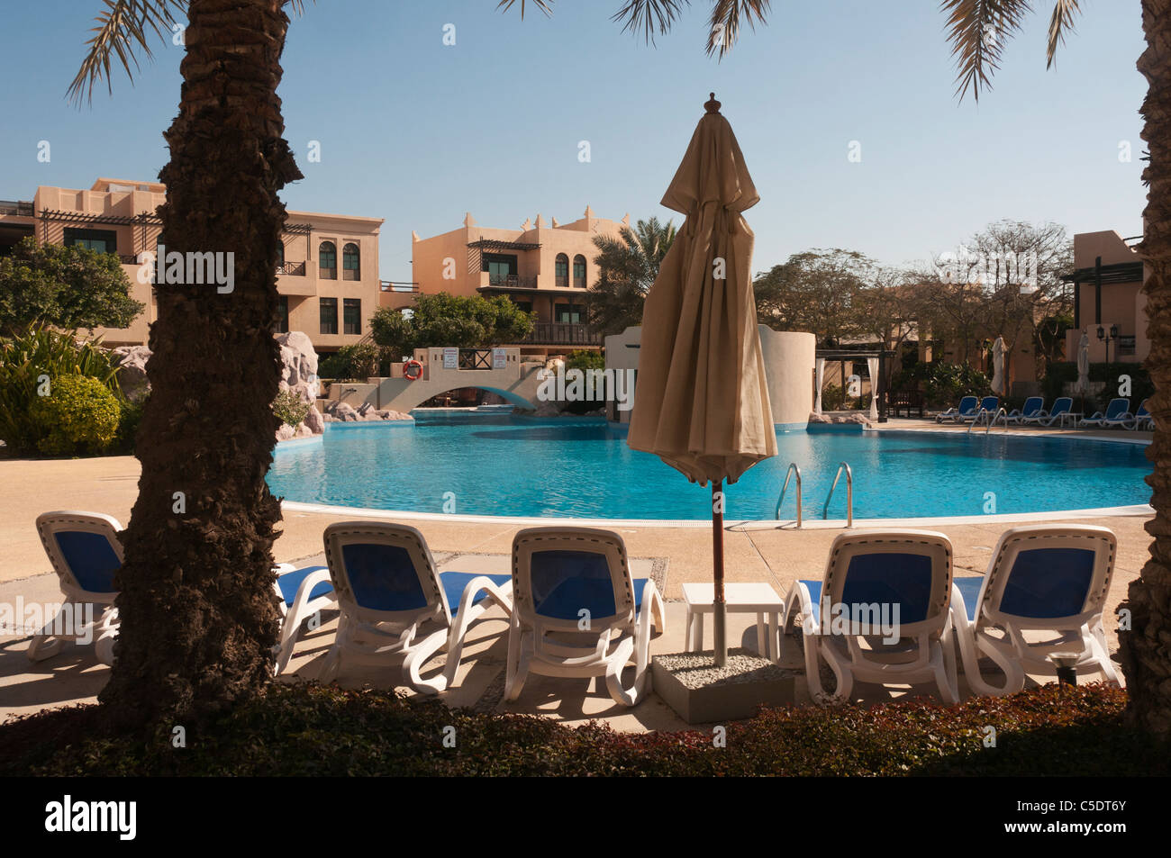 Elk204-1228 Bahrain, Manama, Sofitel hotel with pool Stock Photo
