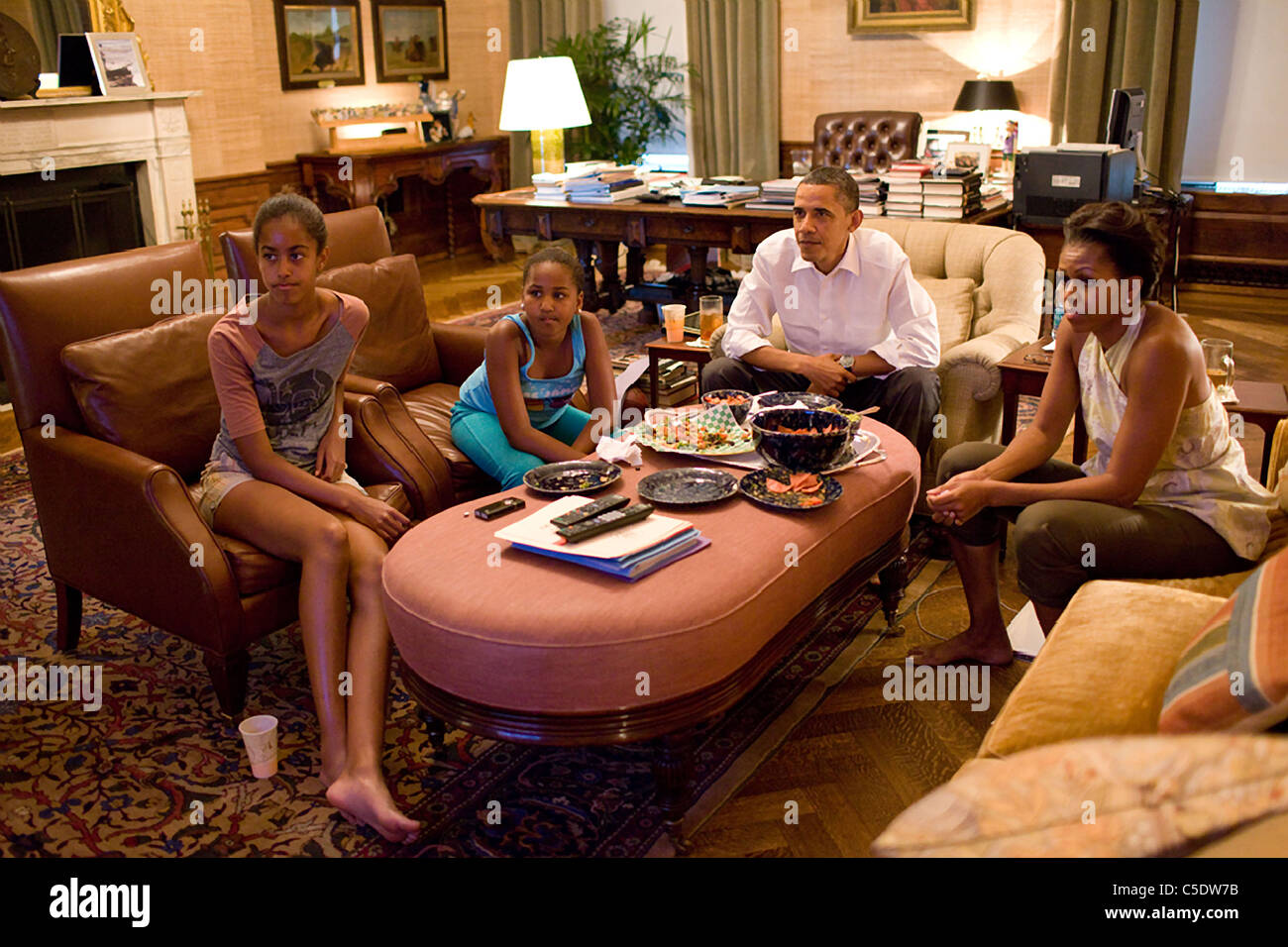 President Barack Obama and his daughters Sasha and Malia watch the World Cup soccer game between the U.S. and Japan - Stock Image