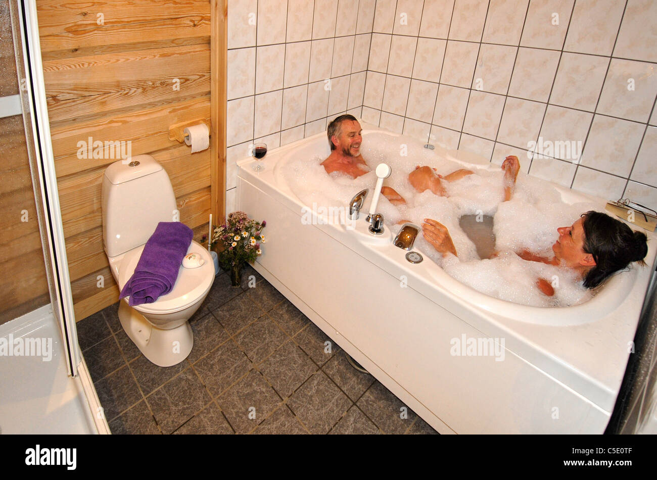 Wooden Bath Tub Stock Photos & Wooden Bath Tub Stock Images - Alamy