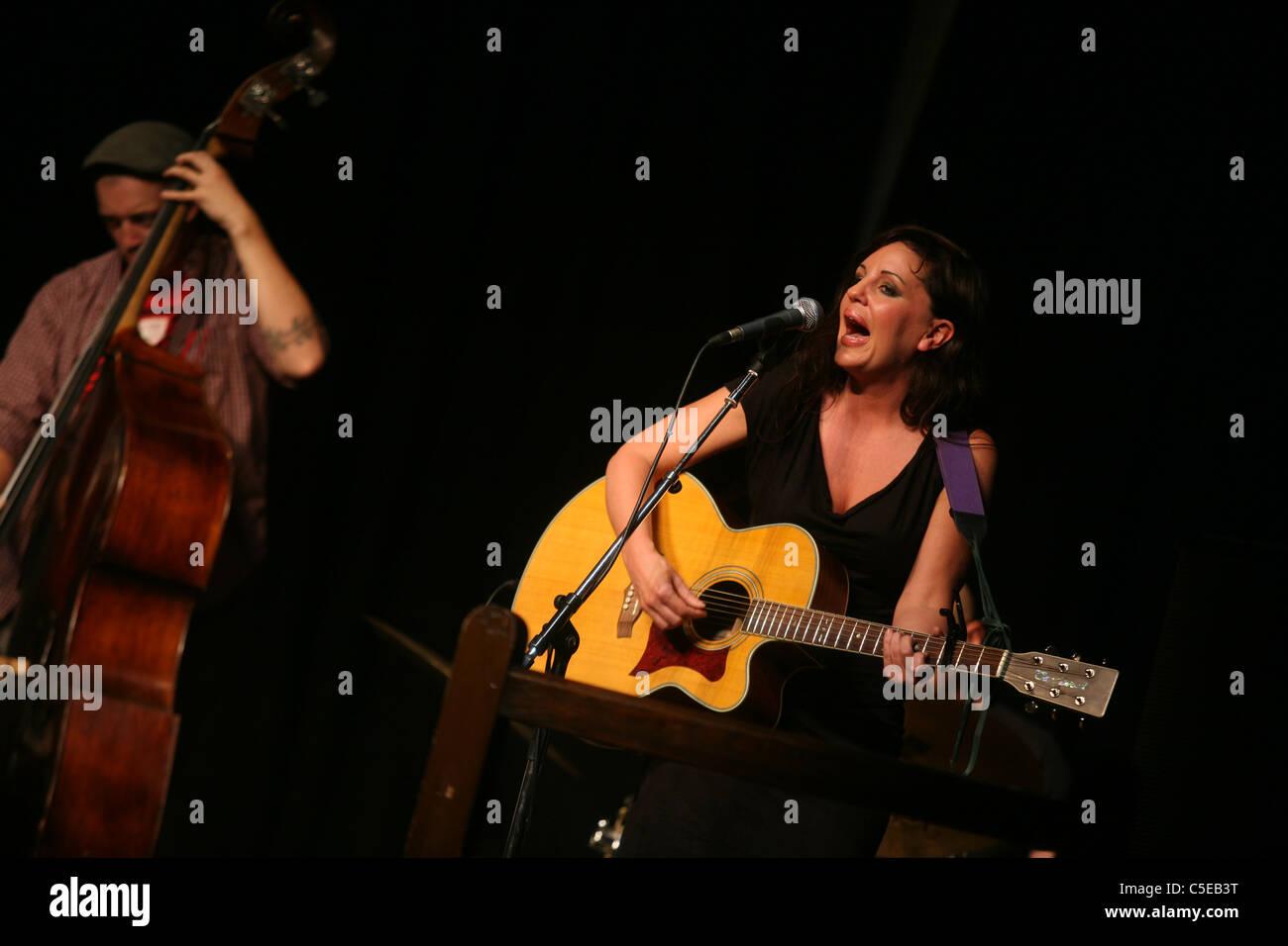 Sarah Gillespie with Gilad Atzmon. Marlborough Jazz Festival 2011 - Stock Image