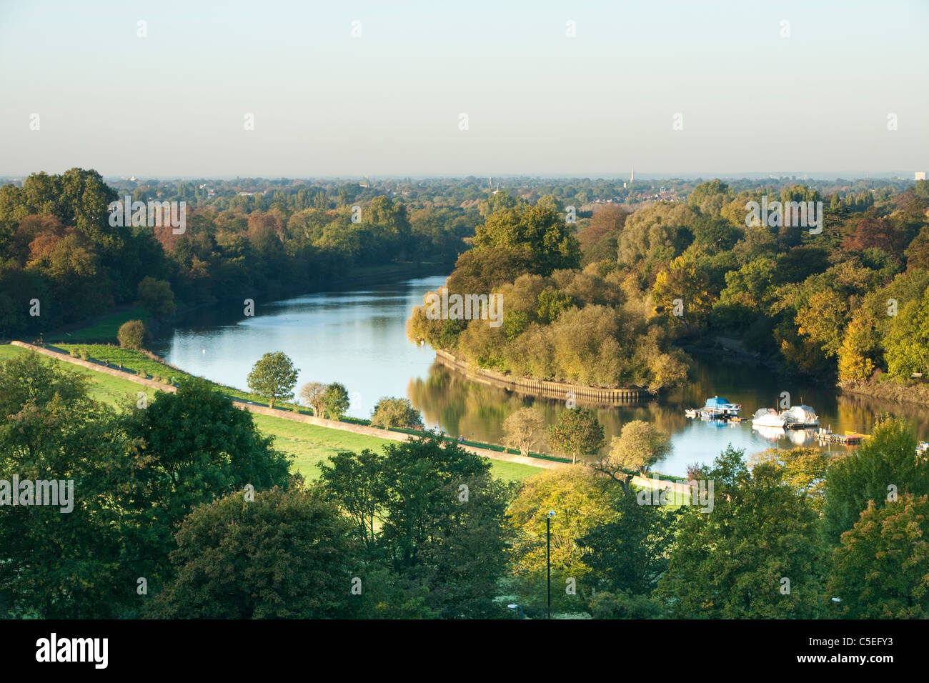Autumn view of the River Thames from Richmond Hill, Surrey, Uk - Stock Image