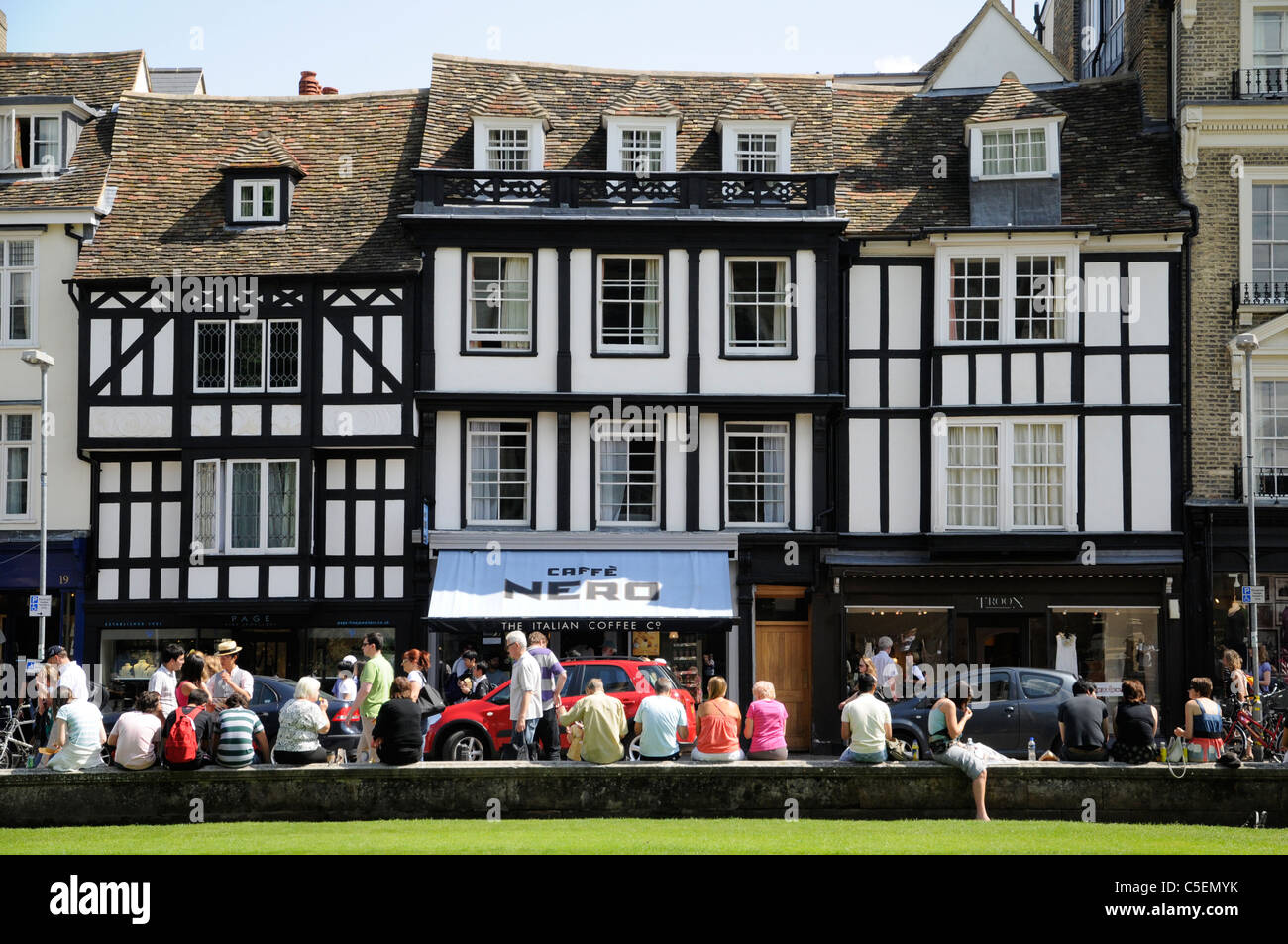 Street scene of tourists on Kings Parade Cambridge - Stock Image