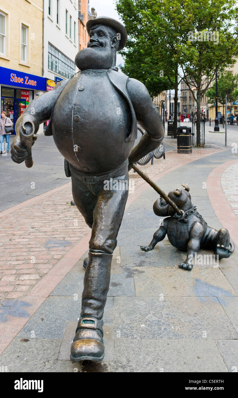 Statue of Desperate Dan and Dawg (from the Dandy Comic) in City Square, Dundee, Central Lowlands, Scotland, UK - Stock Image