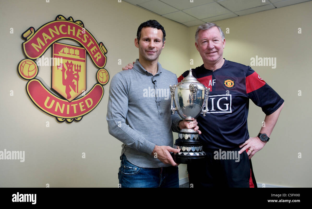 Ryan Giggs  and Alex Ferguson with Welsh Sports Personality of the year award - Stock Image