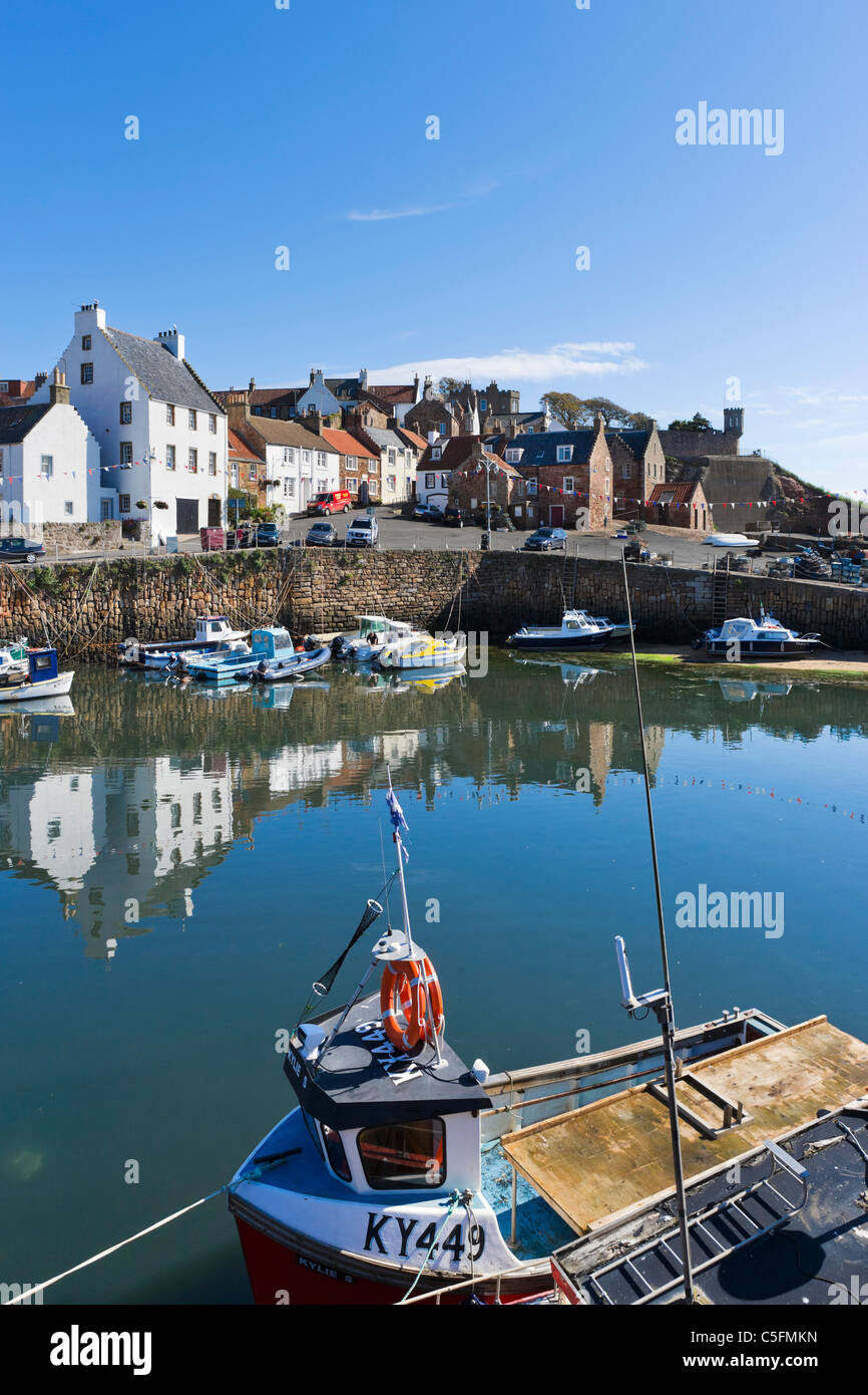 Local fishing boats in the harbour of the picturesque village of Crail, East Neuk, Fife, Scotland, UK - Stock Image