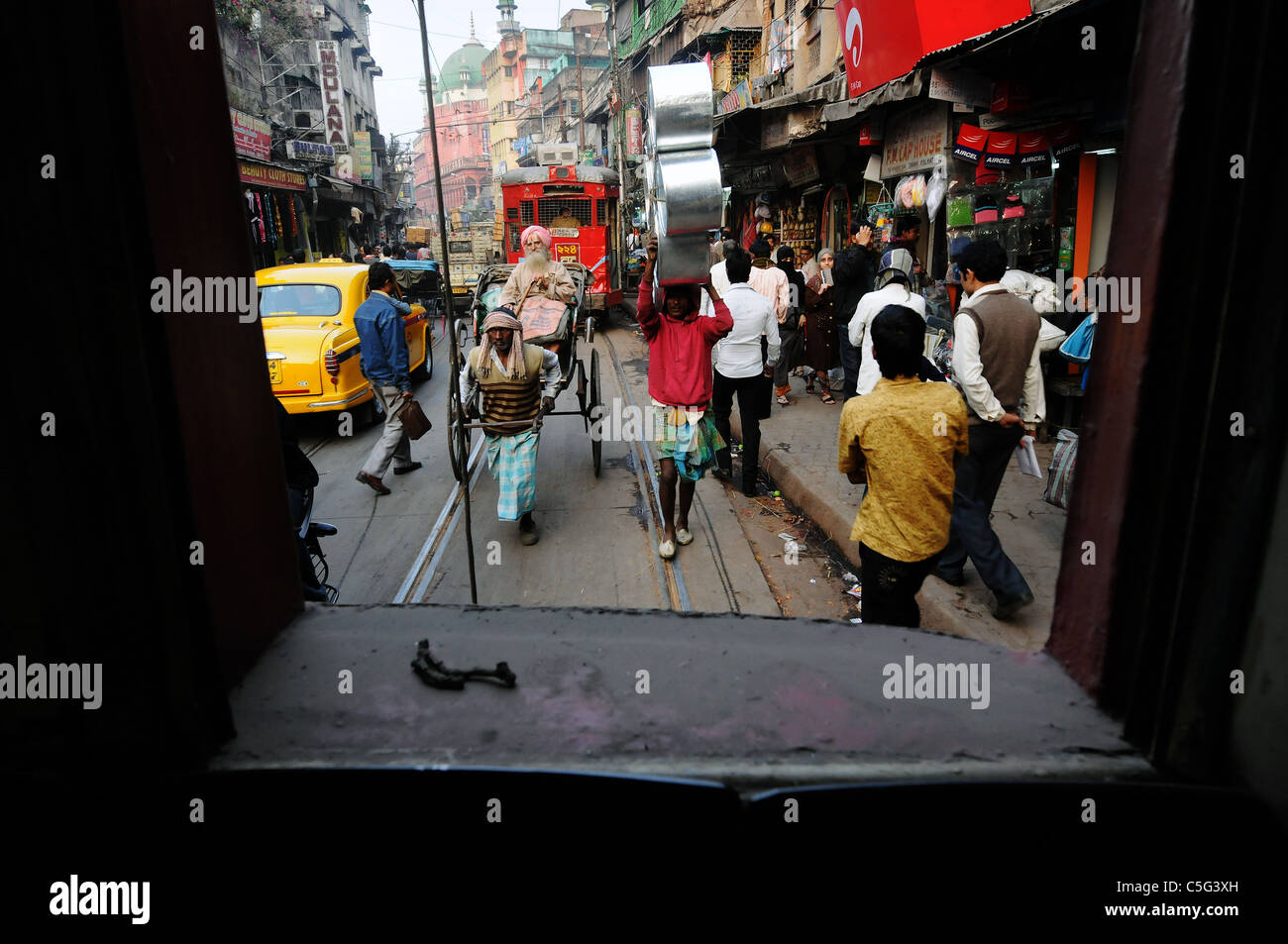 A street scene in Kolkata, India - Stock Image
