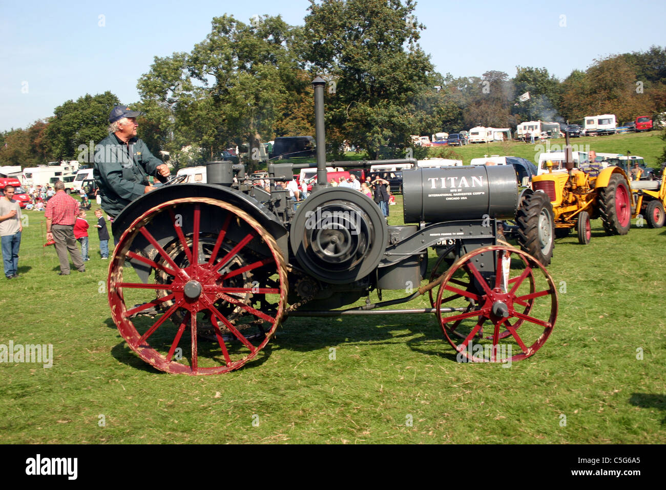 1919 International Titan tractor at 2006 YesterYear Rally Hampton Malpas Cheshire England - Stock Image