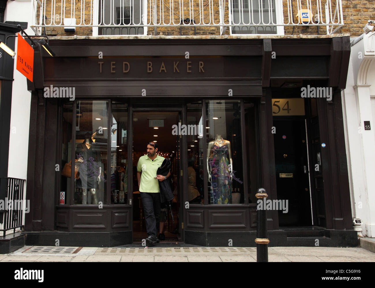 7d89c3980 Ted Baker Store Stock Photos   Ted Baker Store Stock Images - Alamy