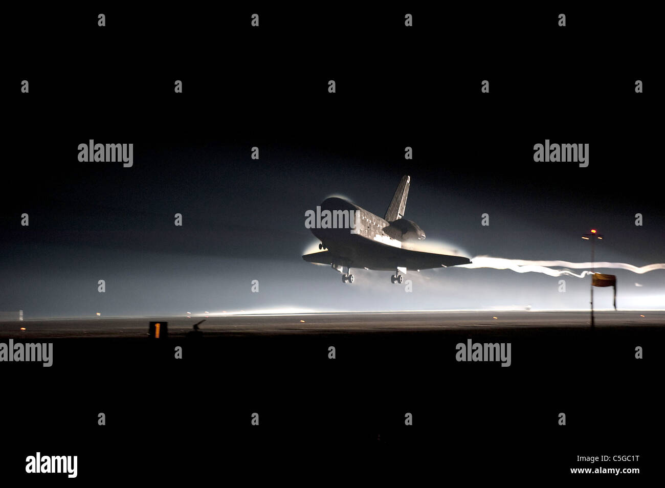 Final Space Shuttle Atlantis lands at Kennedy Space Center - Stock Image