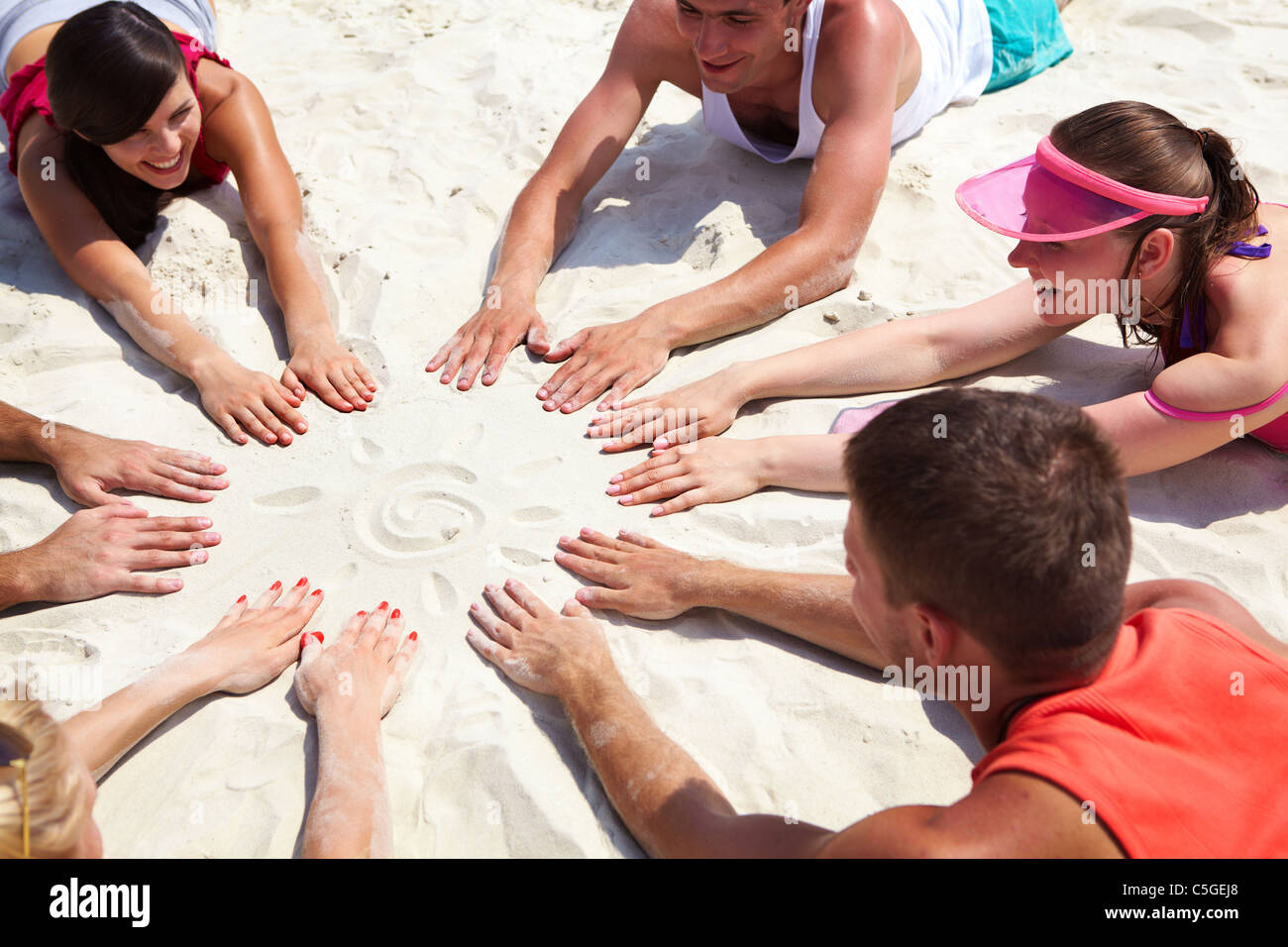 Circle on the sand - Stock Image