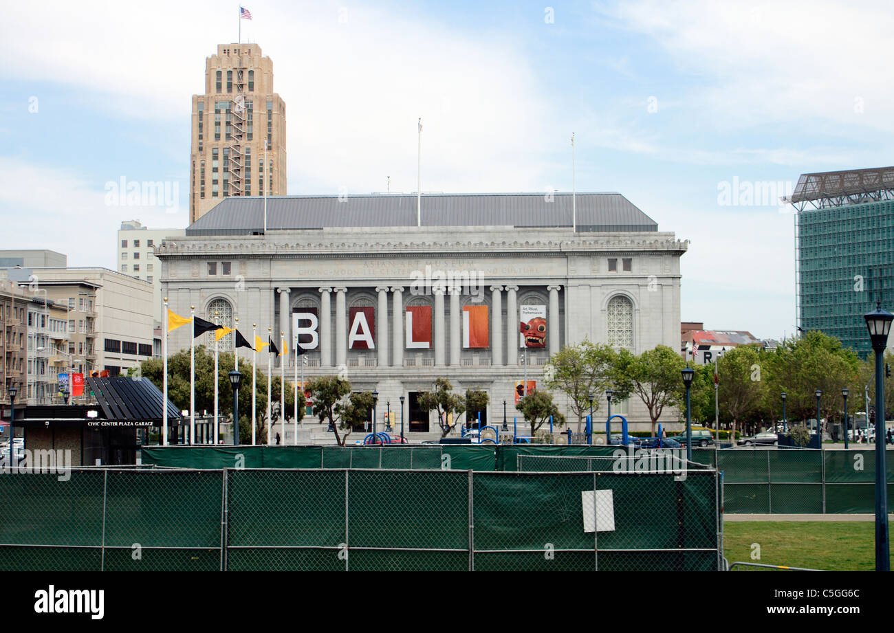 San Francisco's Asian Art Museum, the Chong-Moon Lee center for Asian Art and Culture opposite San Francisco's - Stock Image