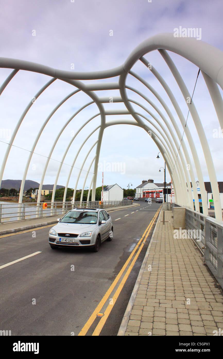 Traffic crossing the Micheal Davitt bridge at Achill Sound, Achill Island, Ireland - Stock Image