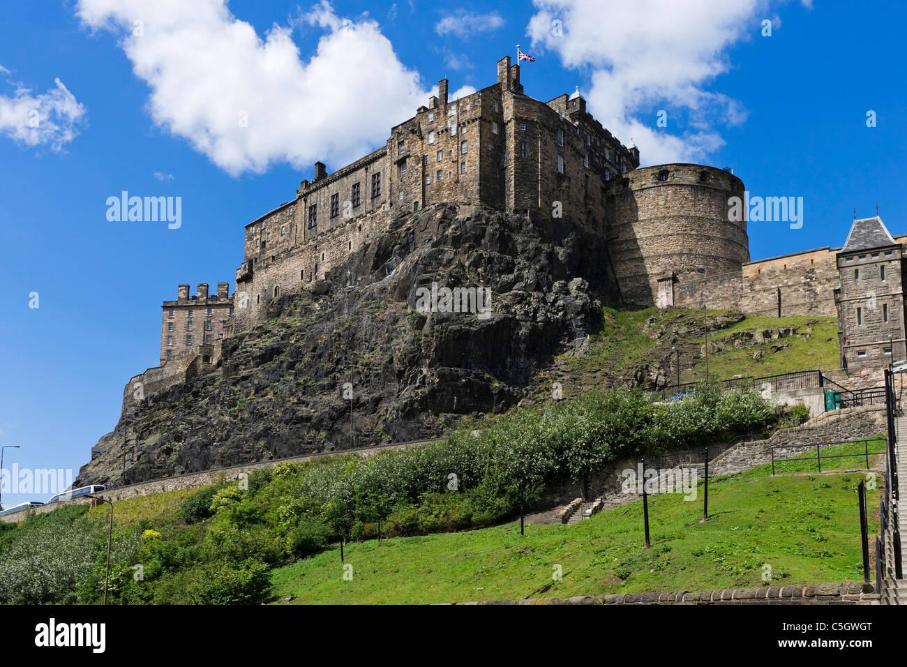 Edinburgh Castle viewed from Grassmarket, Old Town, Edinburgh, Scotland, UK - Stock Image