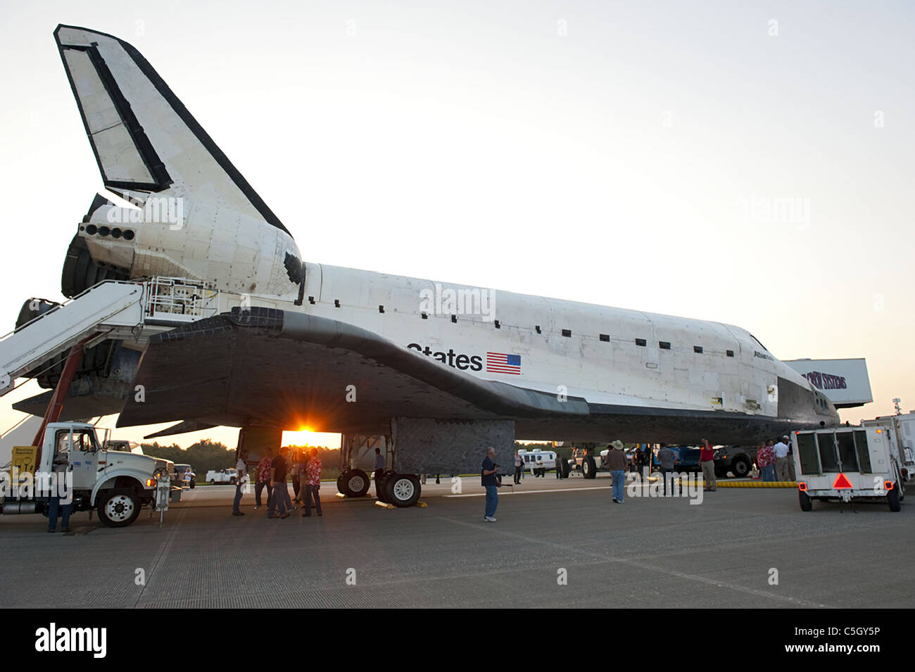 space shuttle after landing - photo #20