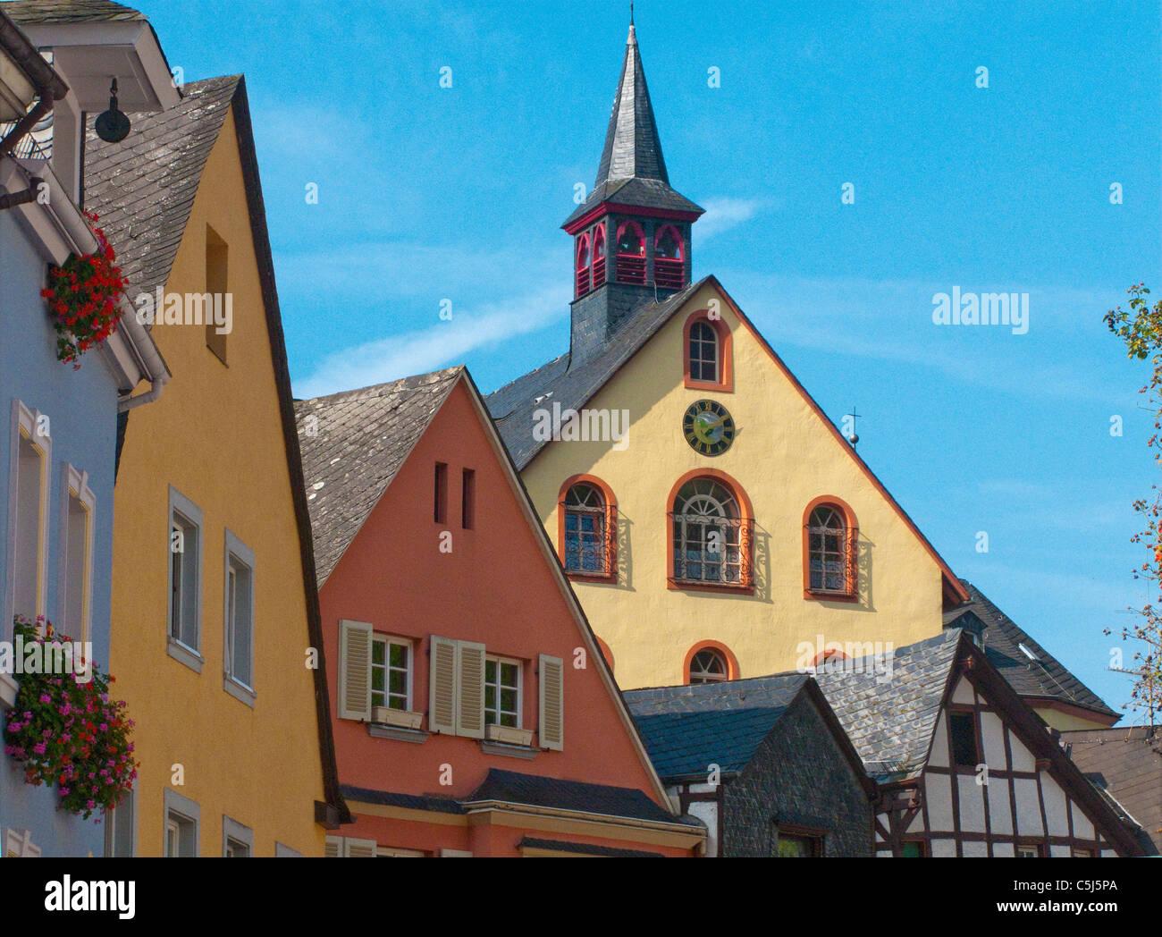 Bunte Haeuser in der Altstadt, historischer Stadtkern, Bernkastel-Kues, Mosel,  Houses in the old town, Moselle - Stock Image