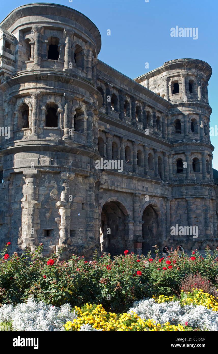 Porta Nigra, Wahrzeichen von Trier und UNESCO Weltkulturerbe, Porta Nigra, landmark, Unesco World heritage site - Stock Image