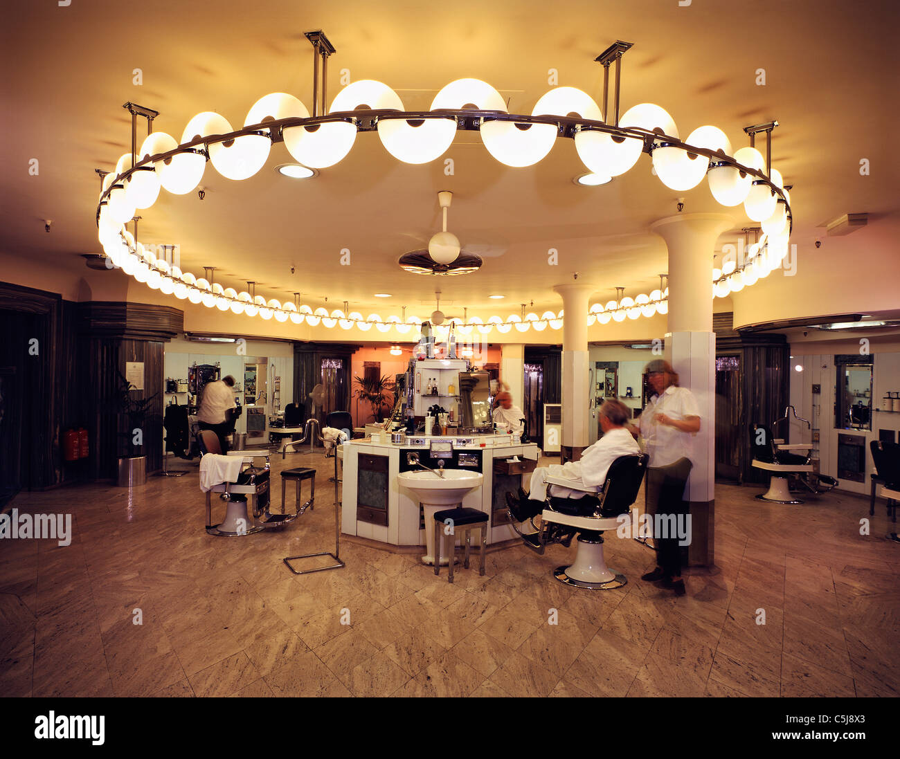 Austin S Barber Shop In The Basement Of The Austin Reed Department Stock Photo Alamy