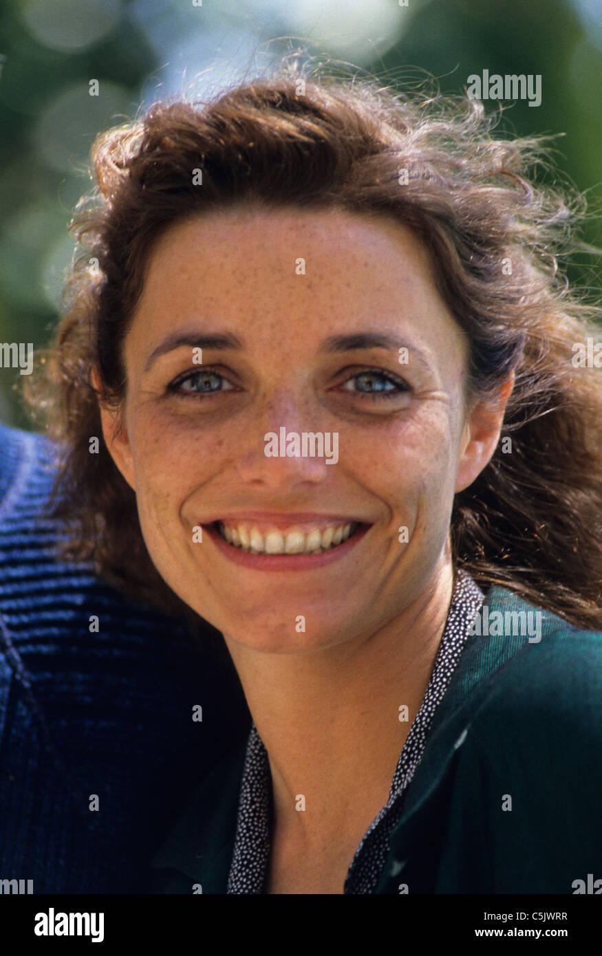 Lesley Nicol (actress) pics
