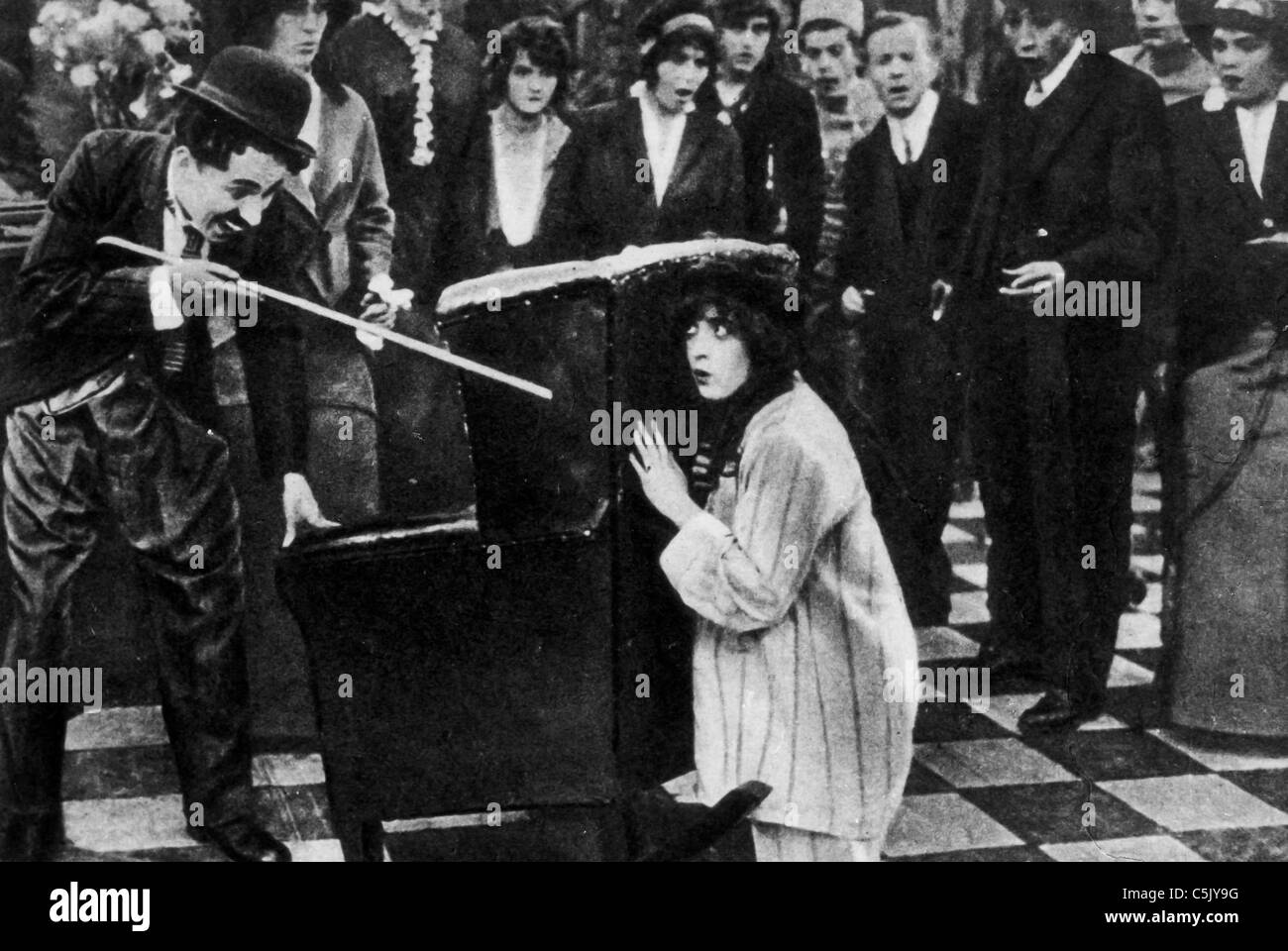 Charlie Chaplin, Edna Purviance, 1916 - Stock Image