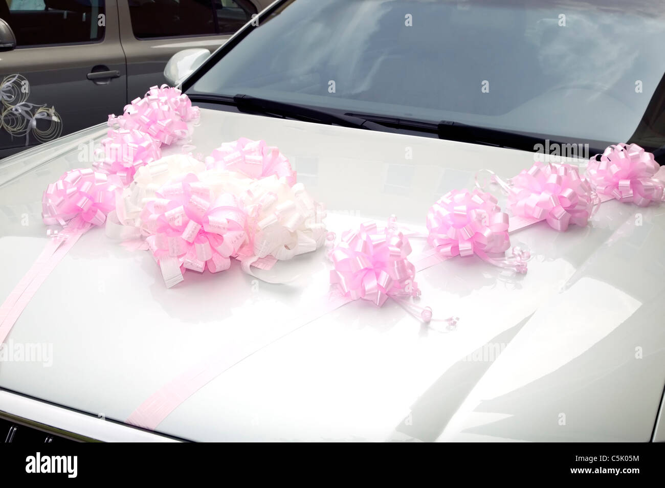 Wedding Car Decorations Stock Photos & Wedding Car Decorations Stock ...