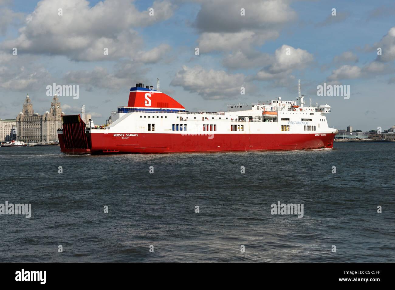 Stena Line ferry from Belfast arriving at Birkenhead, opposite Liverpool. - Stock Image