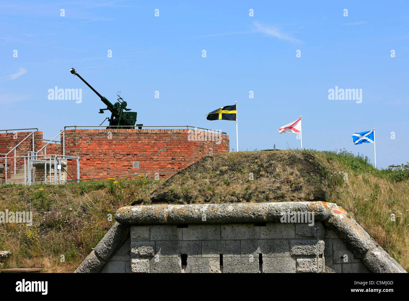 WW2 Bofor gun sits on top of Northe Fort in Weymouth still guarding the harbour entrance - Stock Image