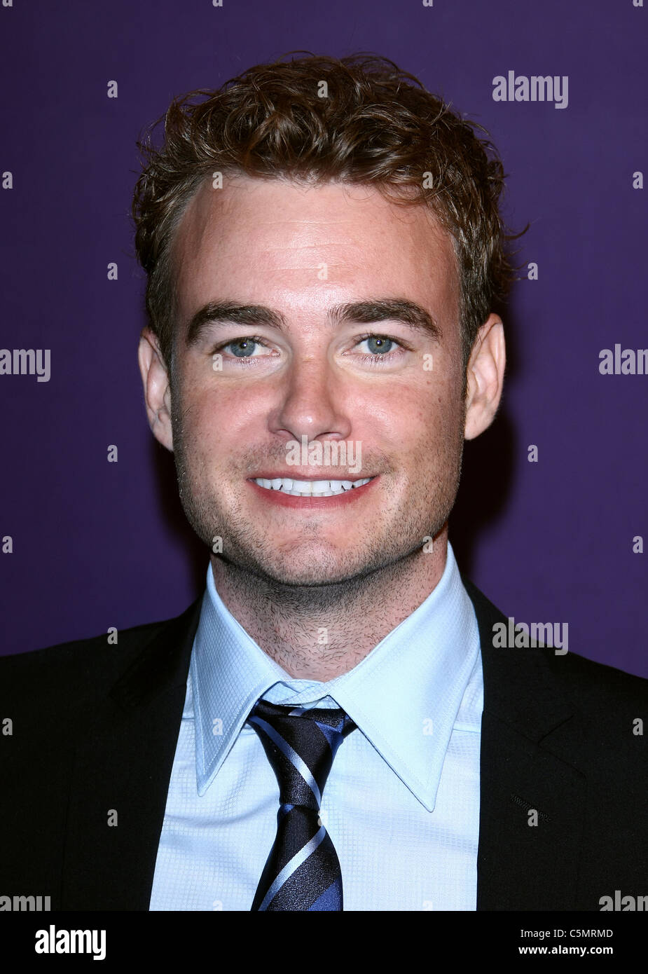 Watch Robin Dunne video