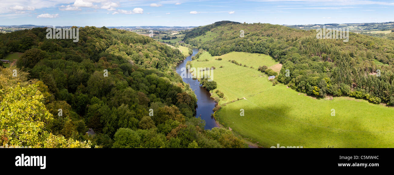 A panoramic view of the Wye Valley from the viewpoint on Symonds Yat Rock, Gloucestershire - Stock Image