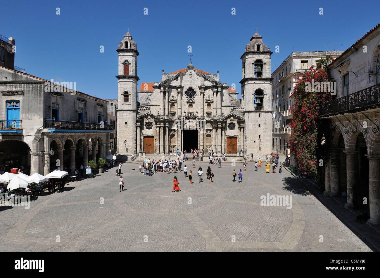 Havana. Cuba. Habana Vieja / Old Havana. Catedral de La Habana, Plaza de la Catedral. - Stock Image