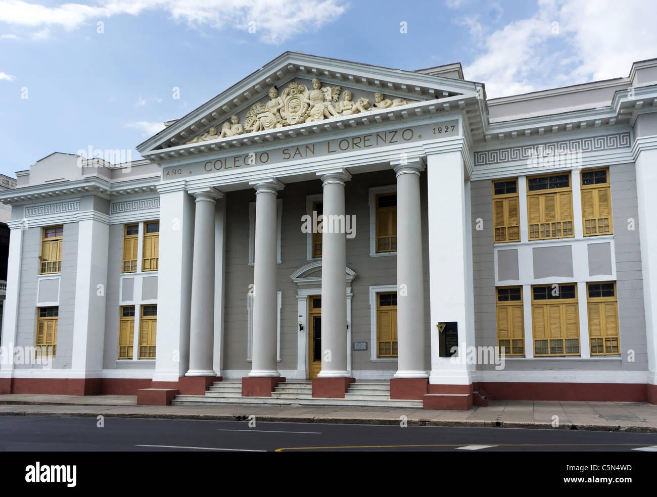 San Lorenzo college building facade in Cienfuegos, Cuba. Now home to Urban Junior High School '5 de Septiembre'. - Stock Image