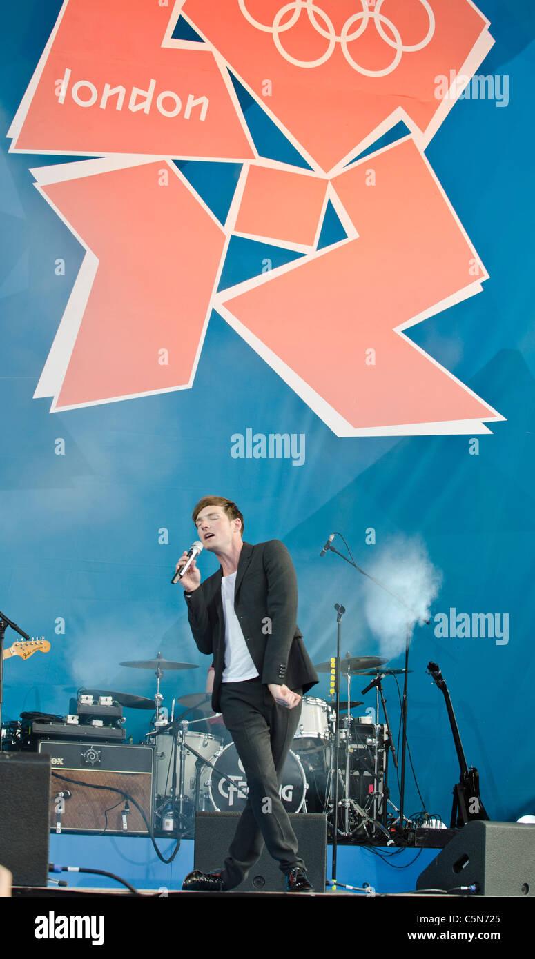 Dan Gillespie Sells lead singer The Feeling ' 1 year to go to'  London 2012 Olympics Trafalgar Square - Stock Image