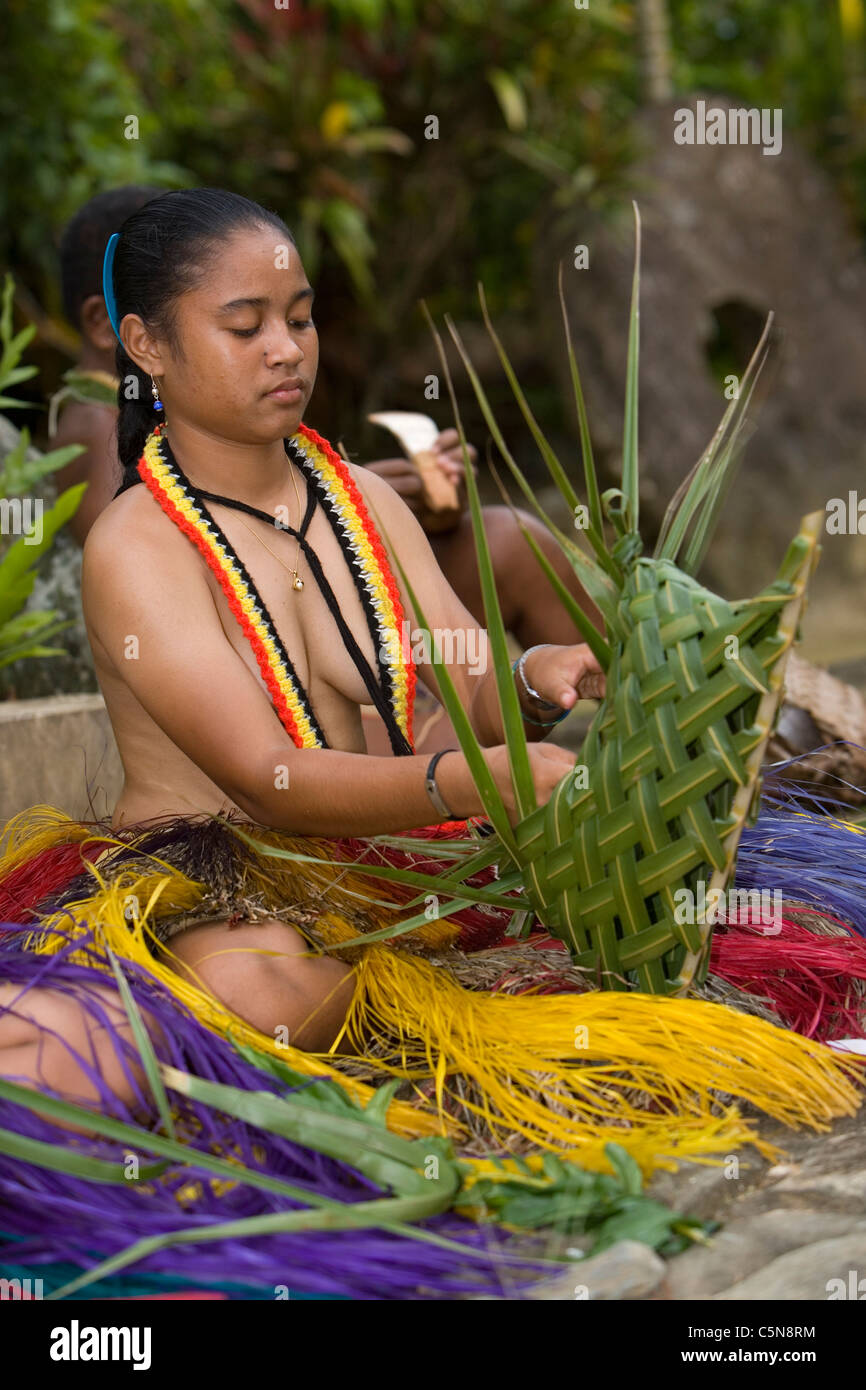 Micronesian women