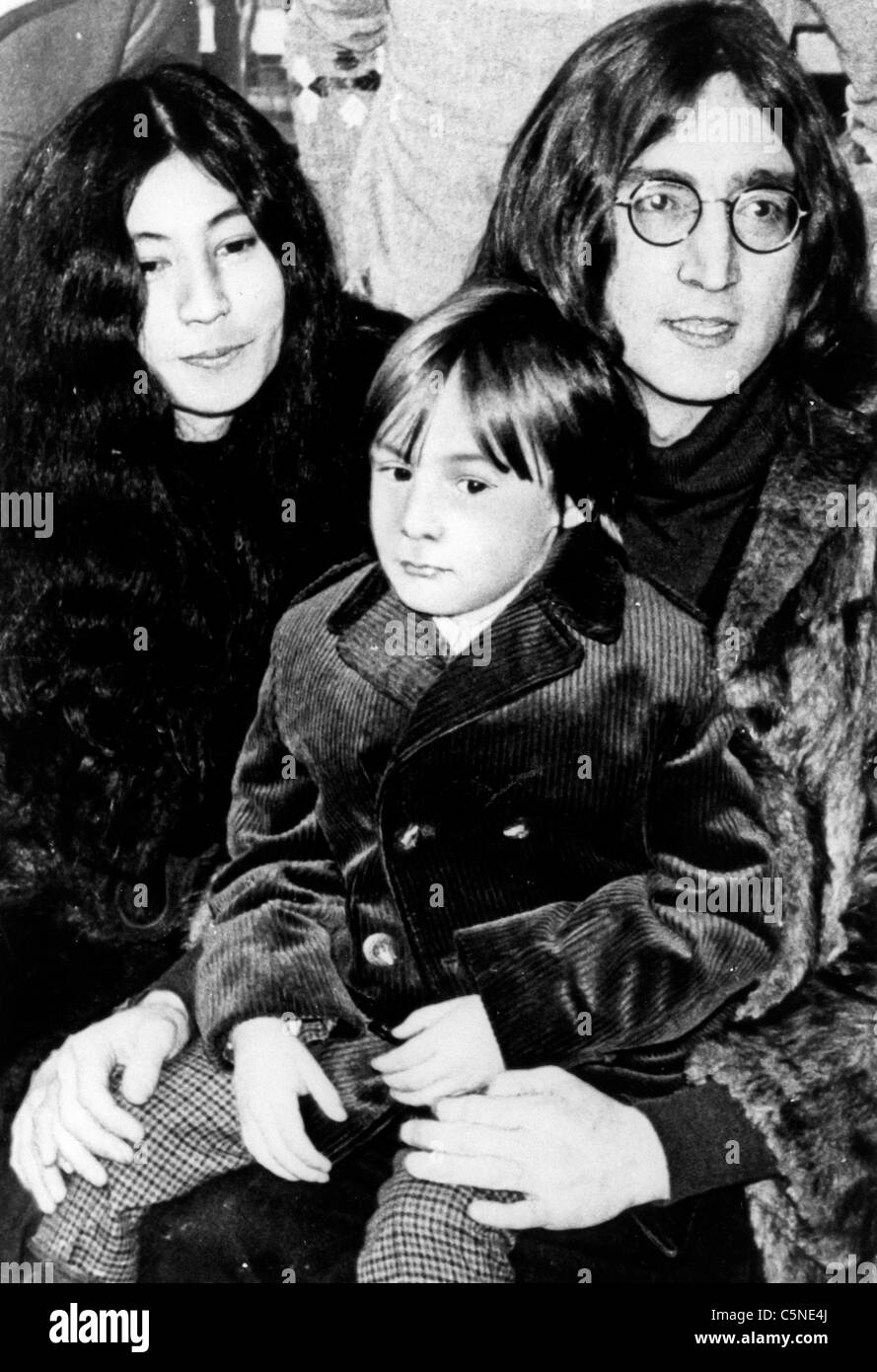 John Lennon With Yoko Ono And The Son Julian Stock Photo 37966114