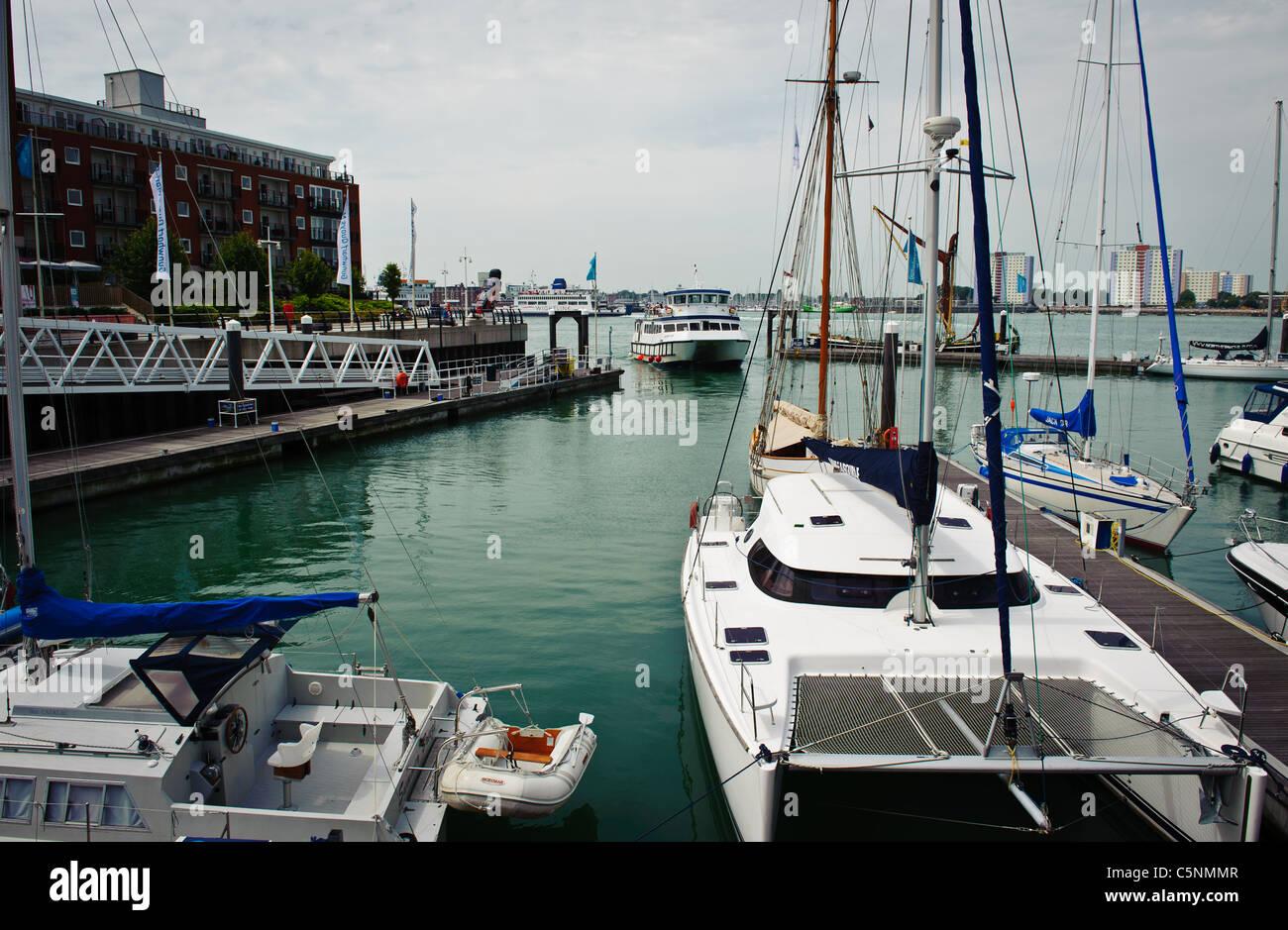 Portsmouth marina - Stock Image