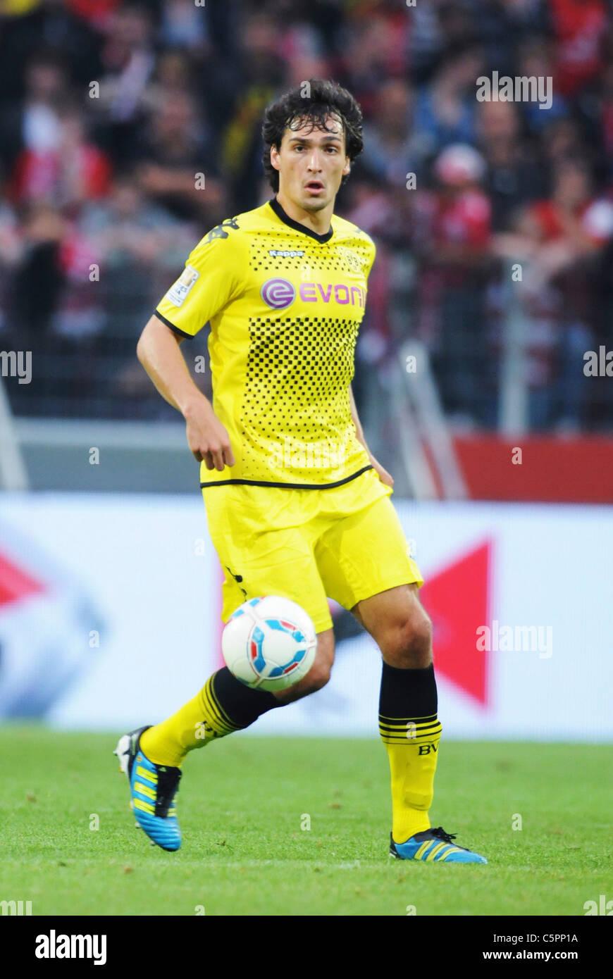 Fussball, Herren, Liga Total Cup in der Coface Arena Mainz, Borussia Dortmund (BVB) - Hamburger SV (HSV) --- Mats - Stock Image