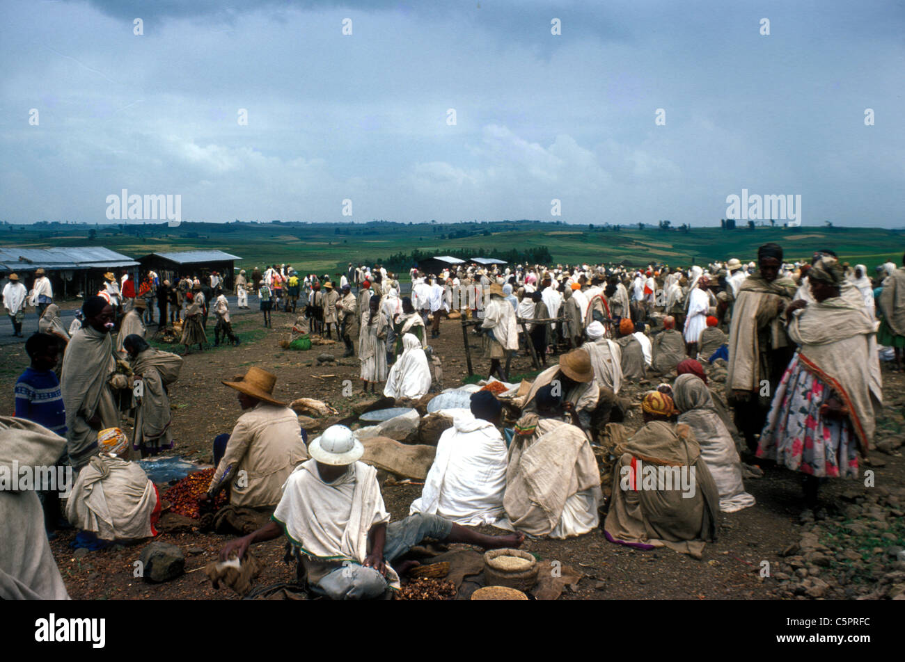 People in an up-country market near Harar, Ethiopia - Stock Image