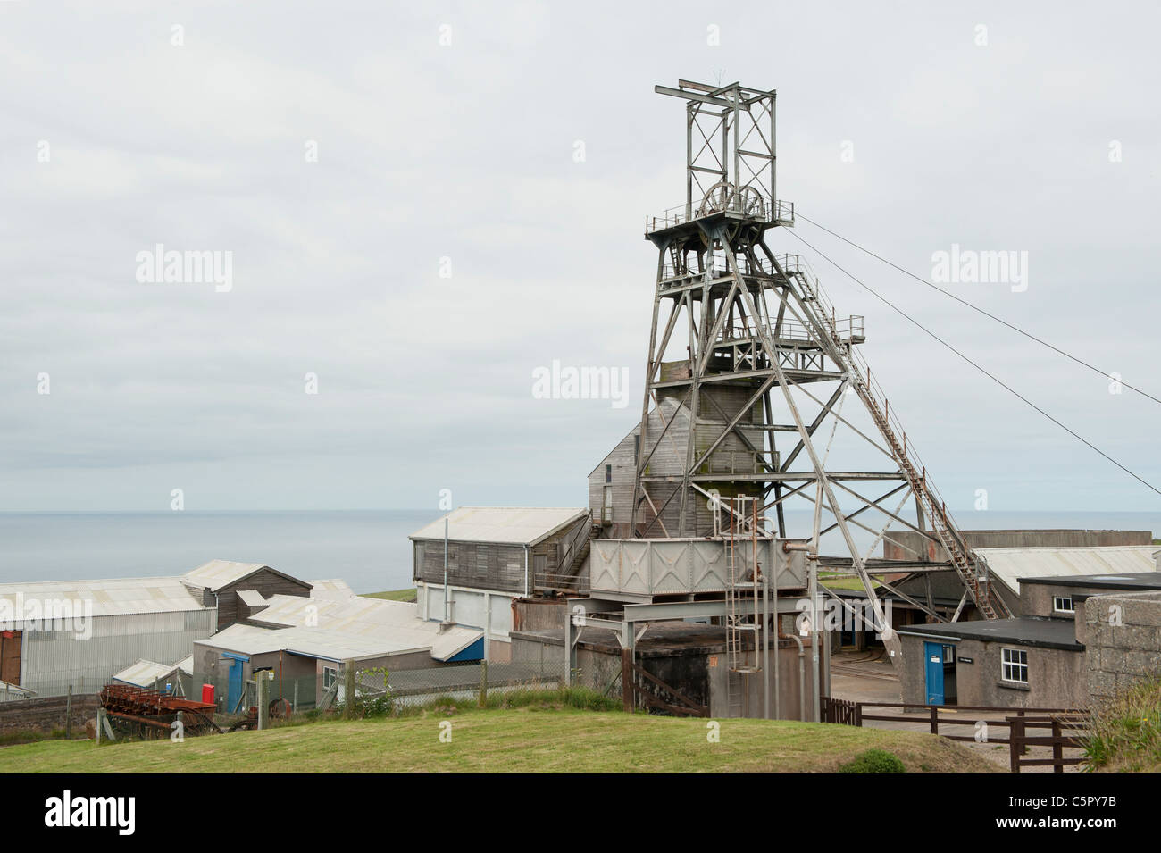 The now closed shaft of Geevor Tin Mine near Pendeen in Cornwall, now a museum and heritage centre. - Stock Image