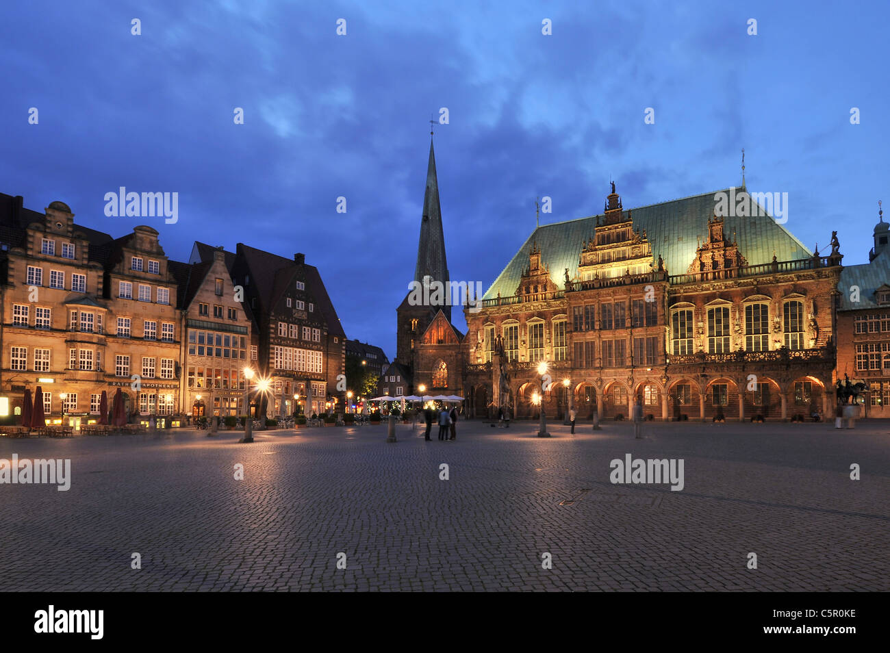 market square of Bremen in Northern Germany with old town hall and church unserer lieb frauen - Stock Image
