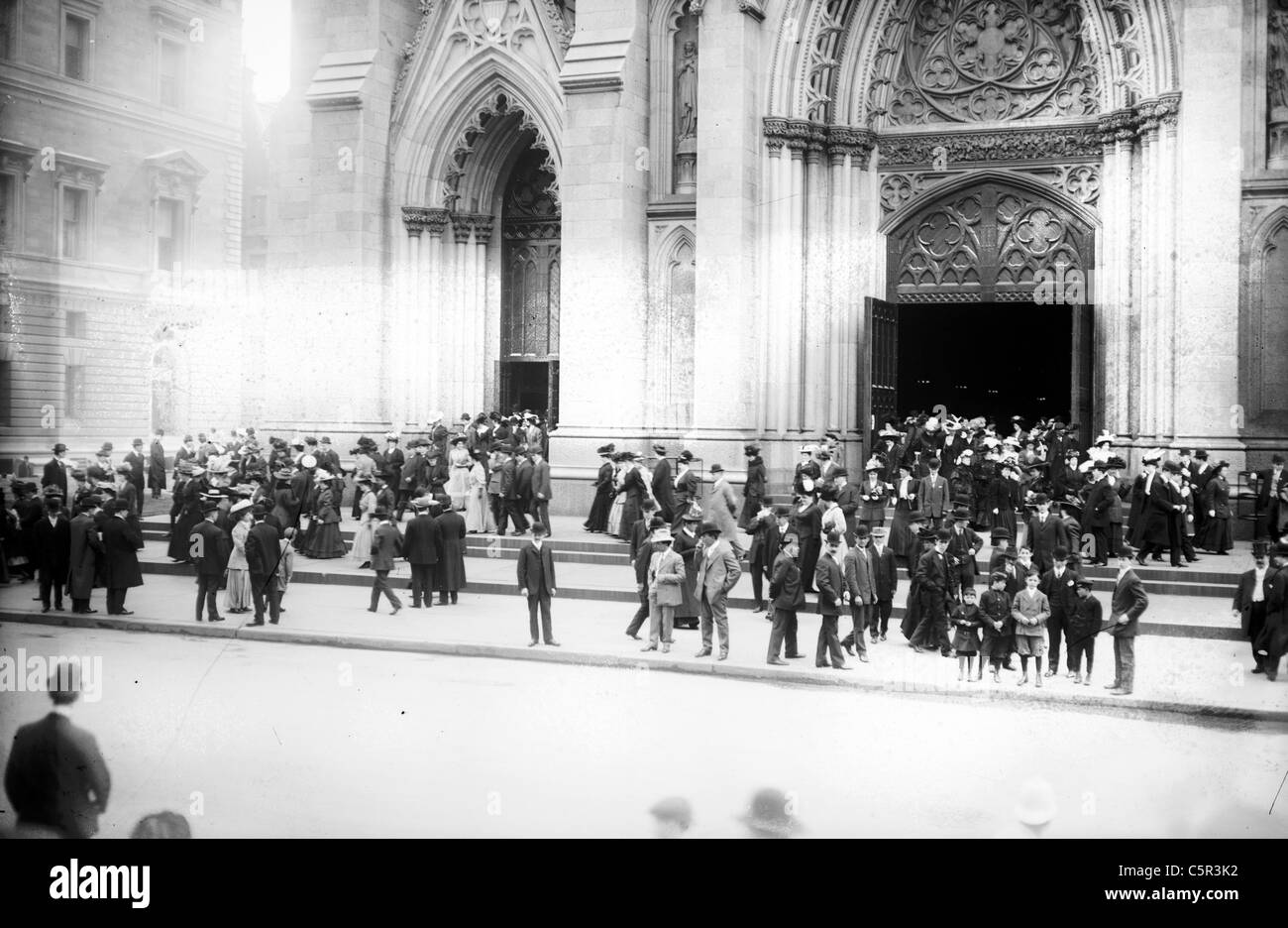 Leaving St. Patrick's Cathedral after Easter Service, 5th Ave., New York City, circa 1900 - Stock Image