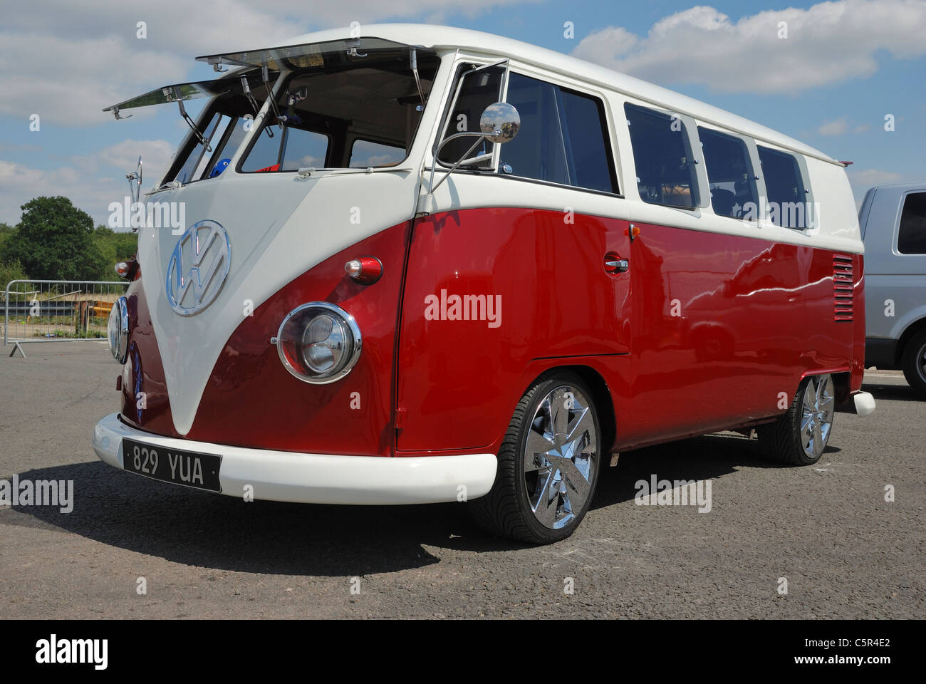 A split screen VW van. Santa Pod, Northants, England. - Stock Image