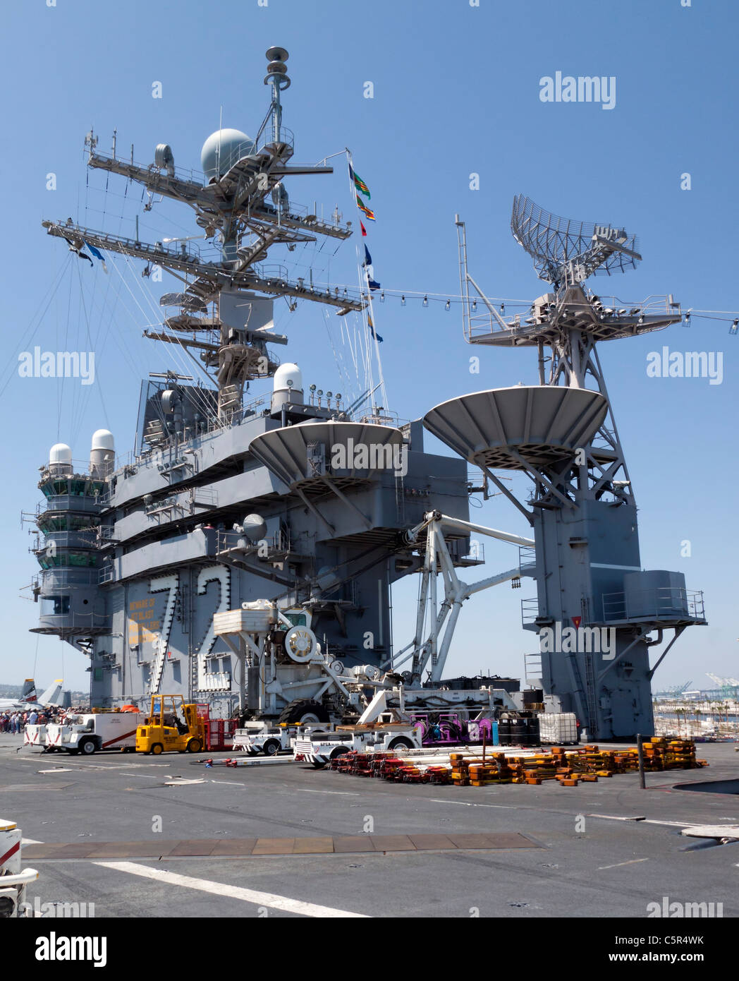 Flight control tower of the USS Abraham Lincoln (CVN 72) Aircraft Carrier - Stock Image