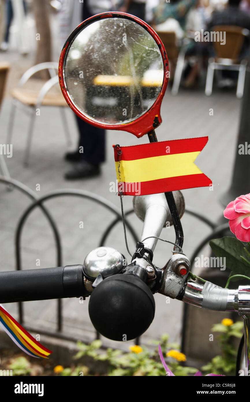 Spanish flag, horn and mirror on bike in Spain - Stock Image